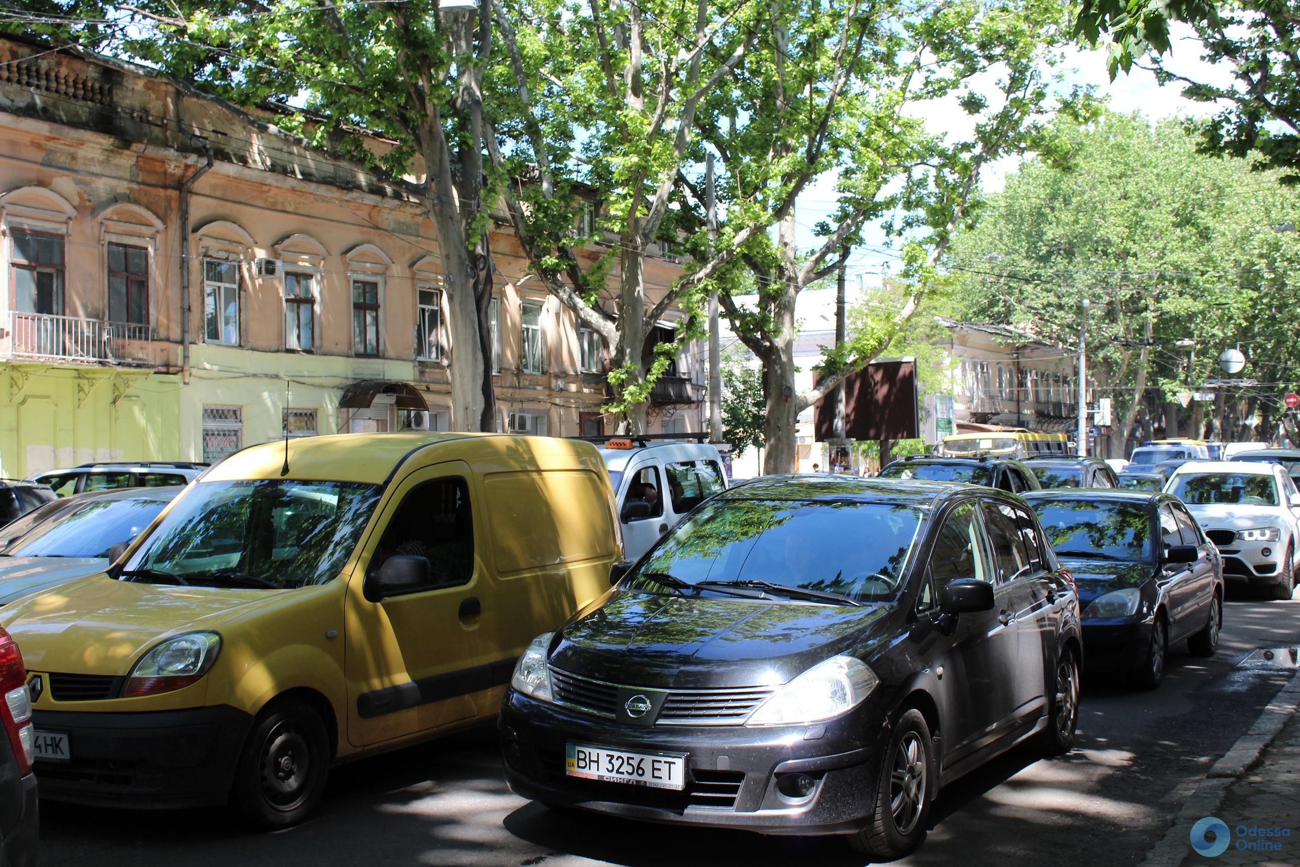Дорожная обстановка в Одессе: пятничные пробки по всему городу