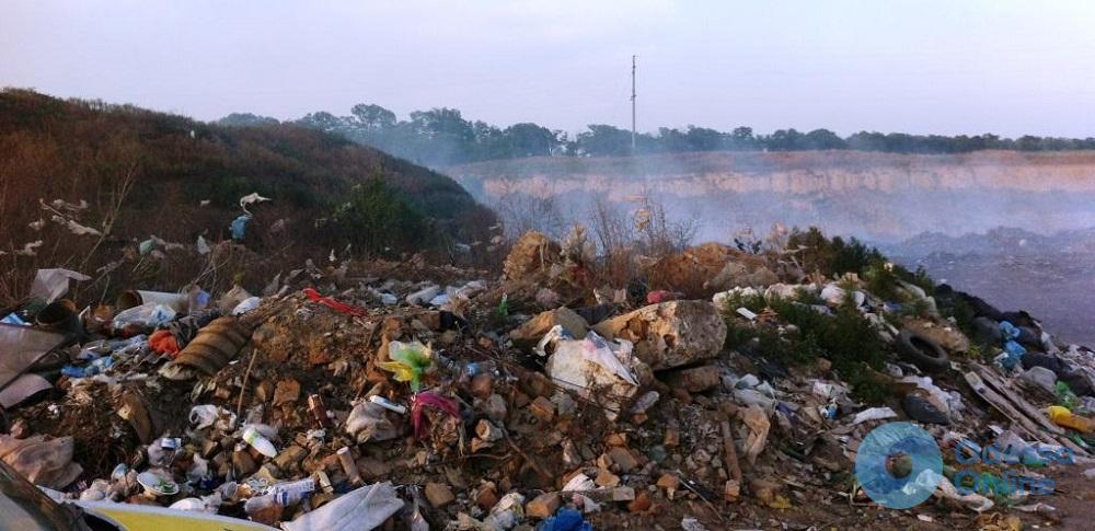 Под Одессой обнаружили новые горы мусора