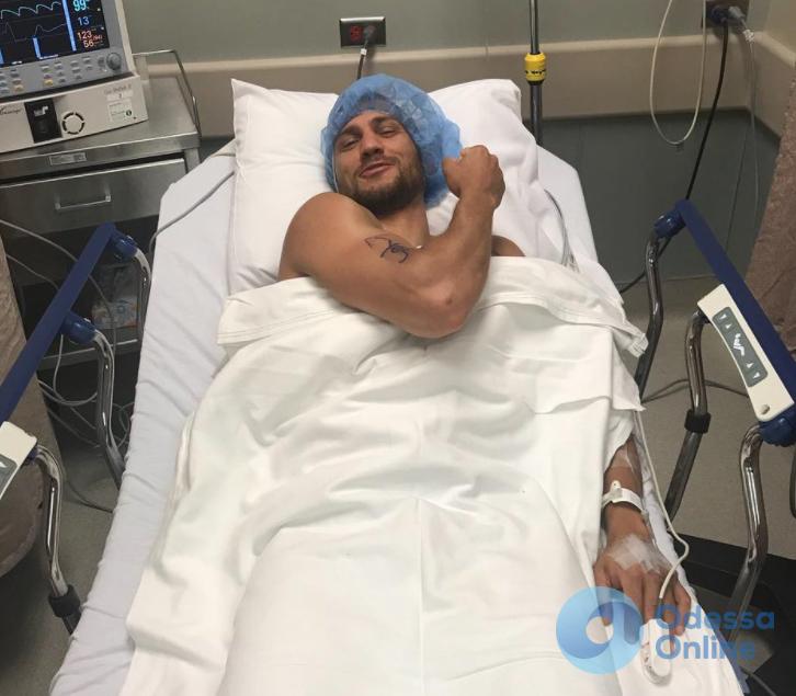 Василий Ломаченко перенес артроскопическую операцию на плече (фото)