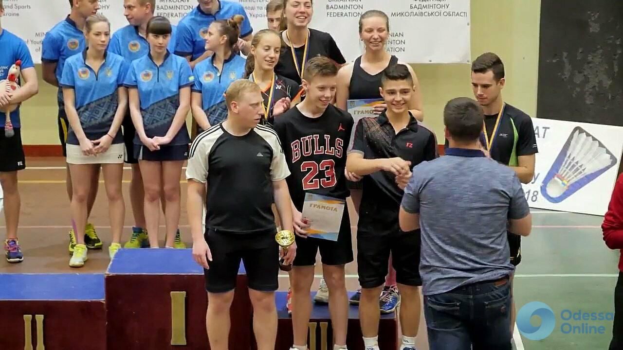 Одесситы успешно выступили на двух всеукраинских турнирах по бадминтону