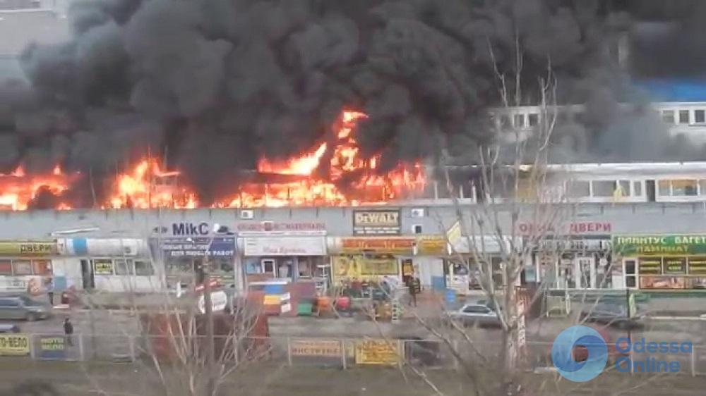 В Одессе будут судить подозреваемого в масштабном пожаре на рынке «Меркурий»