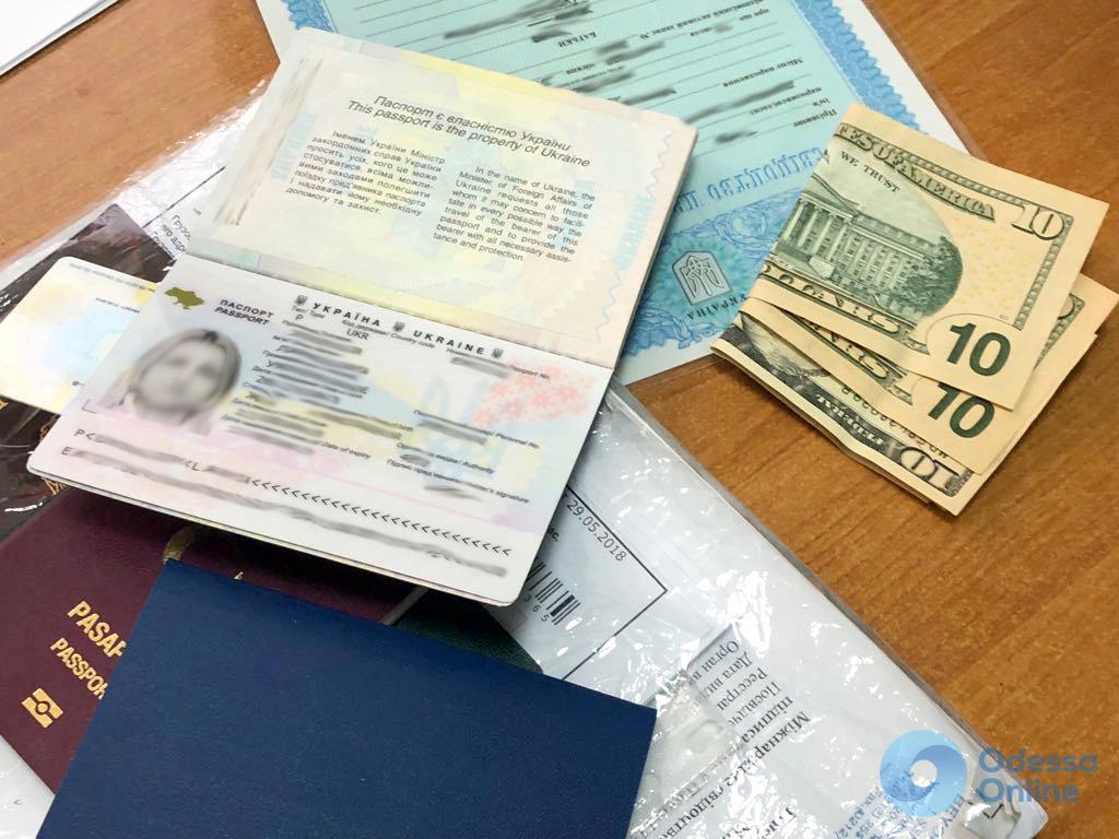 Черноморск: ребенка за деньги пытались вывезти в Турцию
