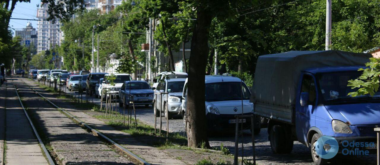 Одесские пробки: ДТП заблокировало Николаевскую дорогу