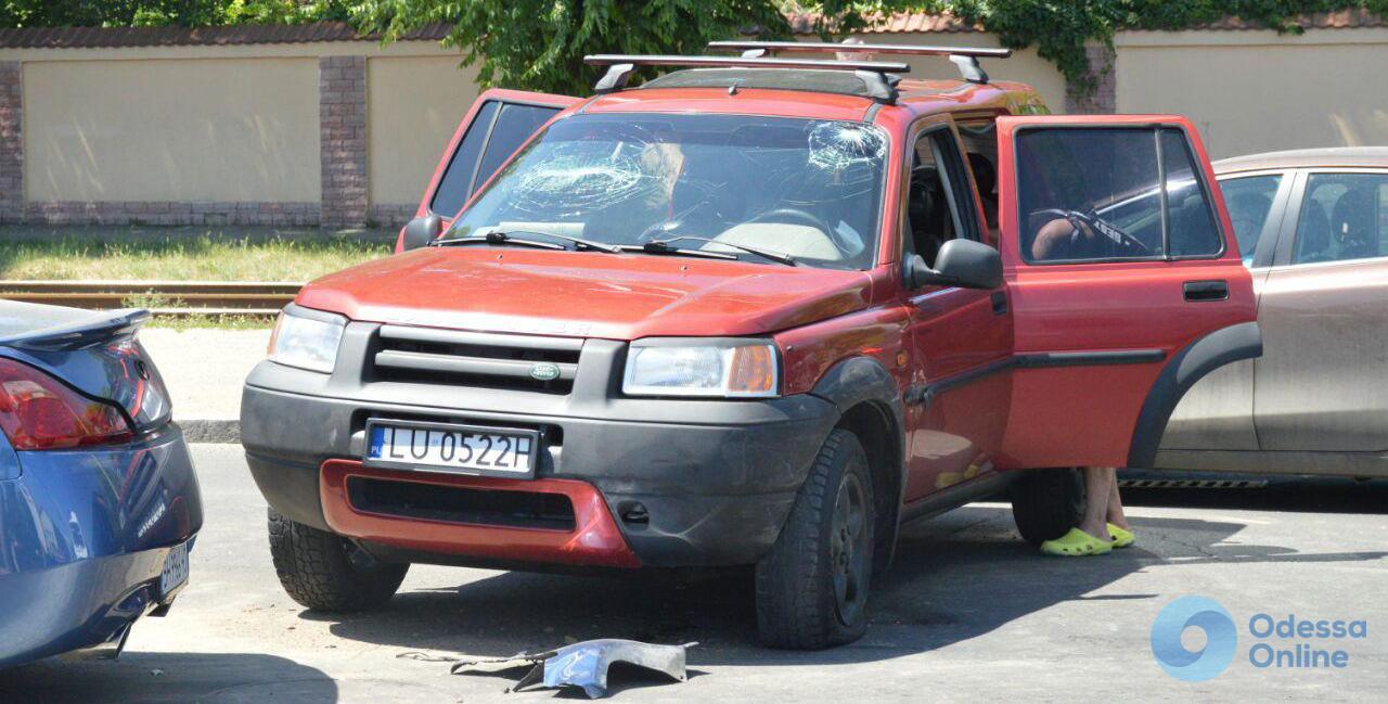 ДТП в Одессе: пострадавший и огромная пробка на Люстдорфской дороге
