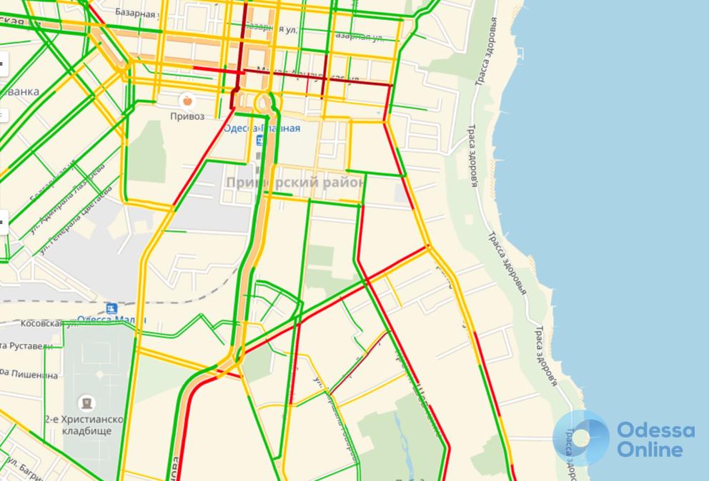 Дорожная обстановка в Одессе: центр сковали пробки