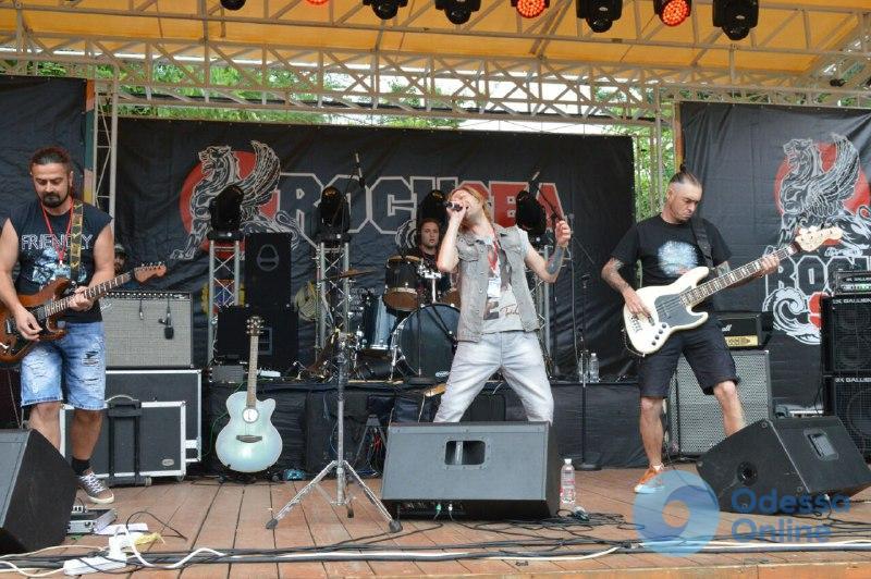 В Зеленом театре прошел безалкогольный рок-фестиваль (фото)