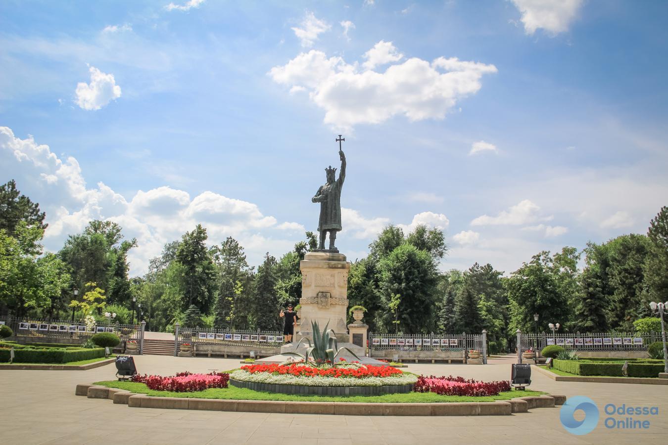 Мир глазами одесситов: лавандовые поля в Молдове и достопримечательности Кишинёва