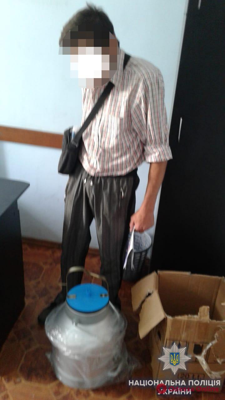 В Одесской области мужчина украл доильный аппарат