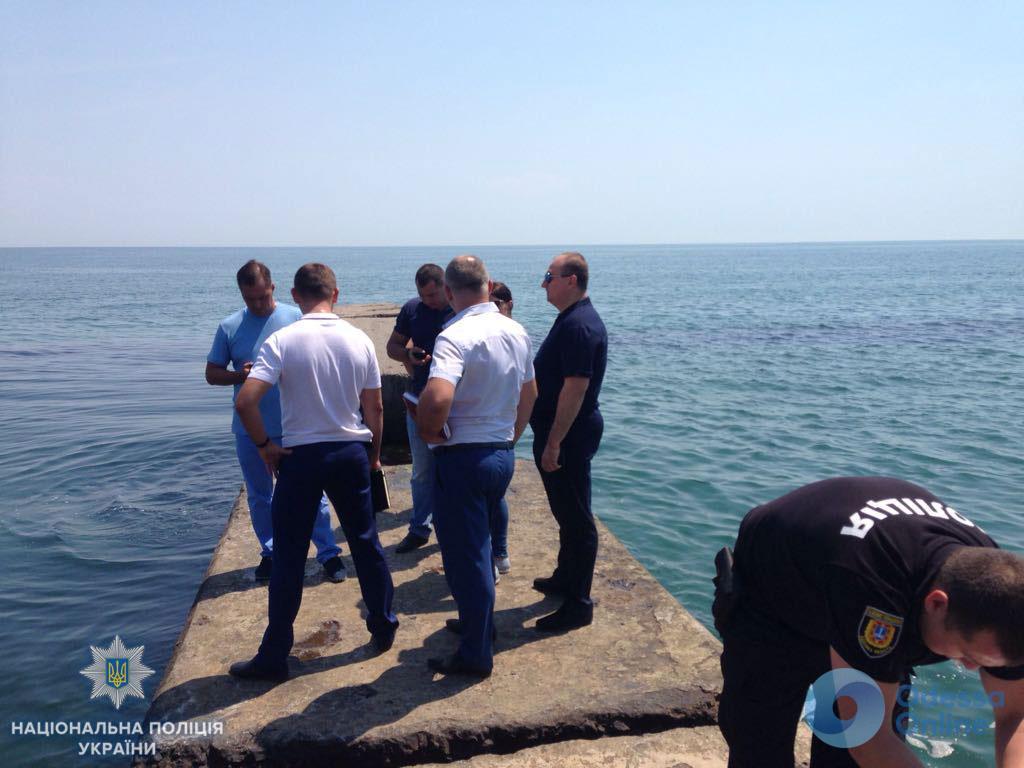 На теле была сумка с камнями: в Одессе возле скалодрома под водой нашли труп