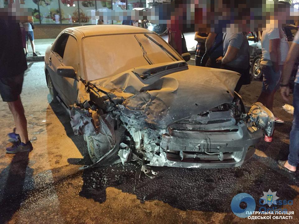 На Фонтане столкнулись три автомобиля: один из них загорелся