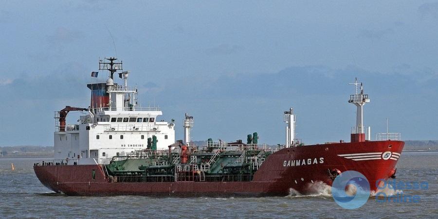 В Одессу прибыл танкер с топливом для АЗС