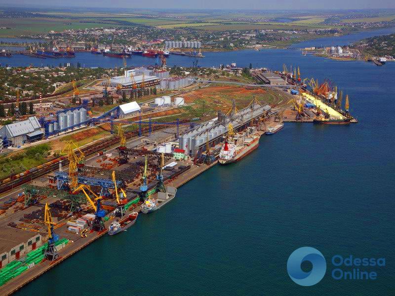 Семь причалов Черноморского порта ожидает реконструкция