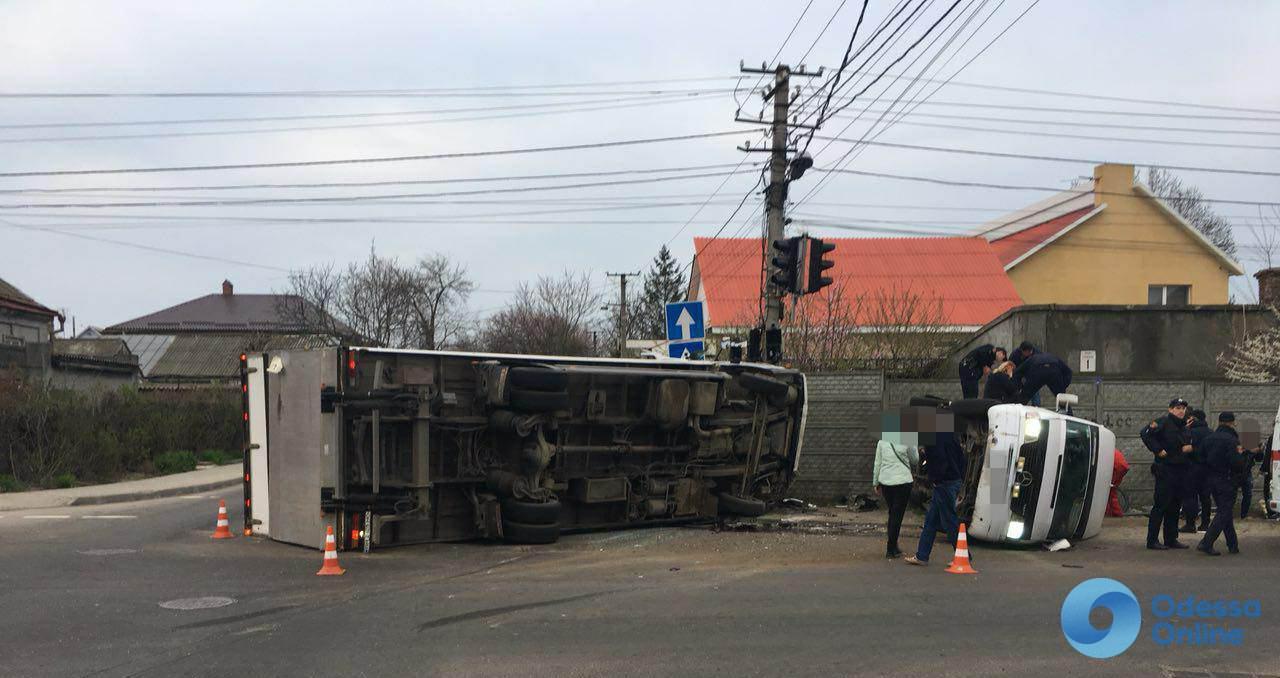 Одесса: на аварийной Кордонной появились предупреждающие знаки