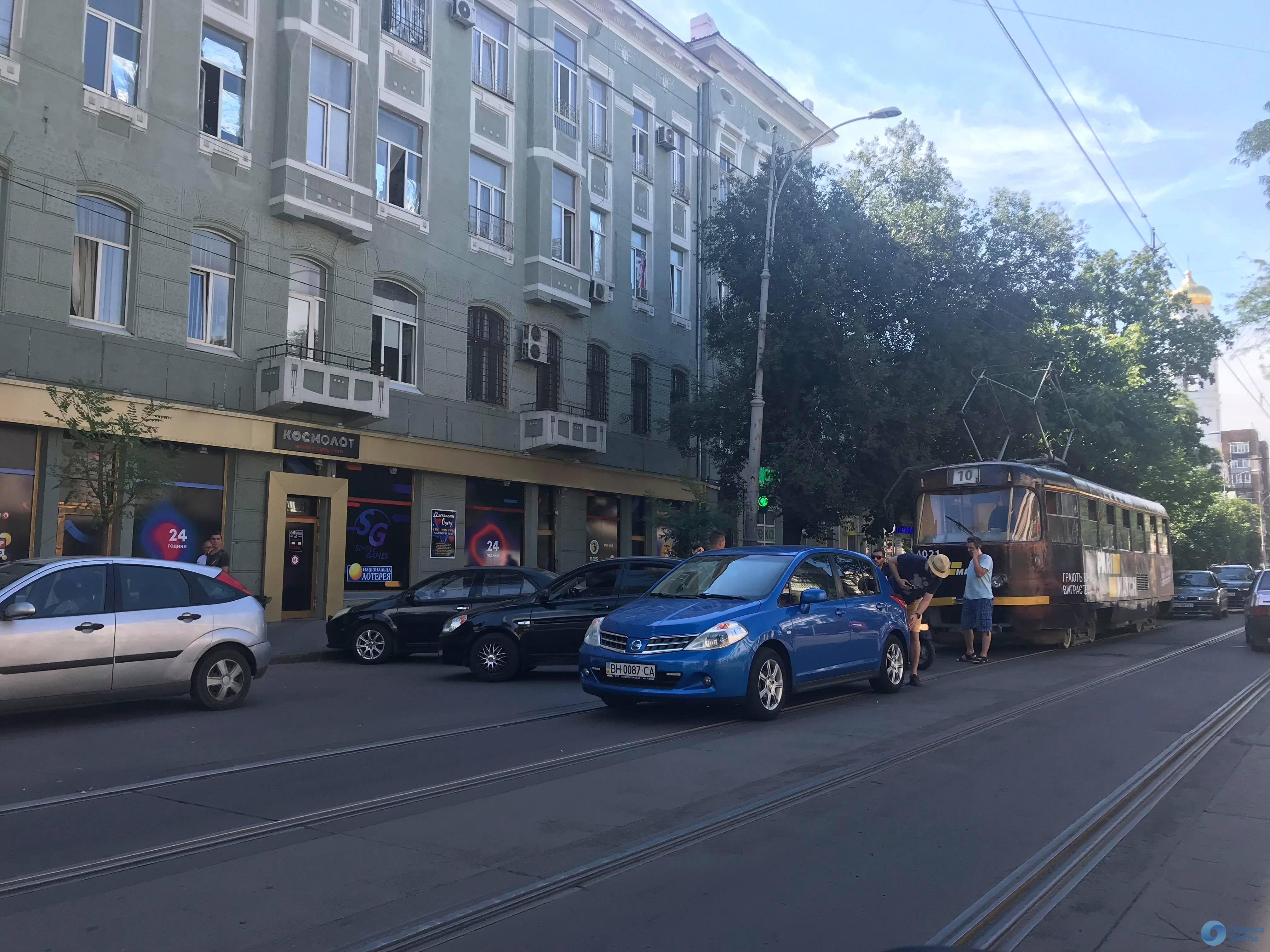 Из-за ДТП на Преображенской стоят трамваи
