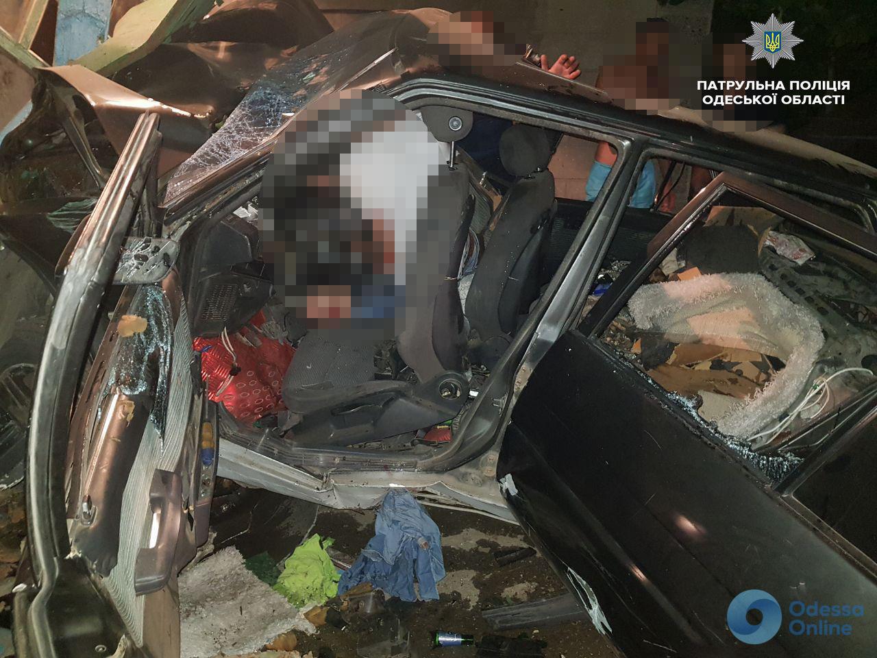 В Одессе на Слободке в результате ДТП погиб ребенок (фото, обновлено)