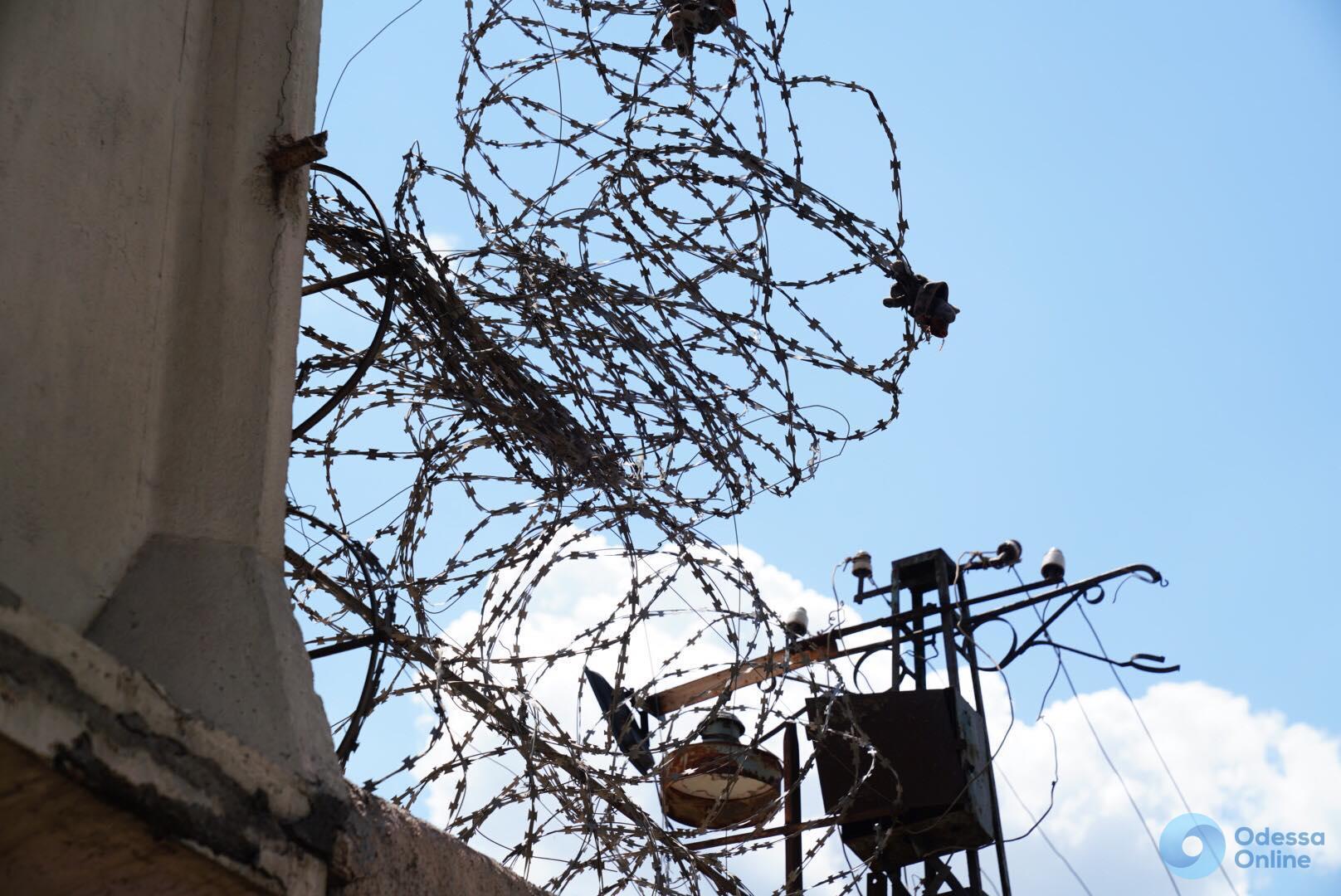Проломили стену: подробности побега из одесской колонии