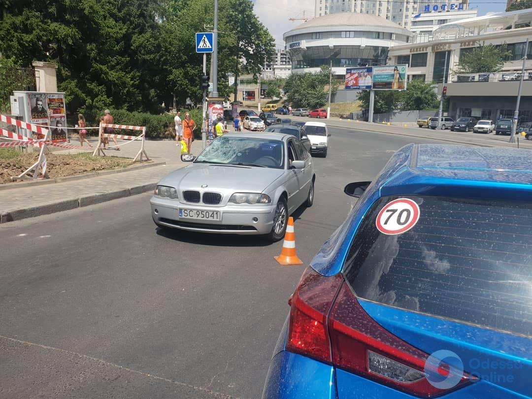 В Аркадии автомобиль сбил пешехода