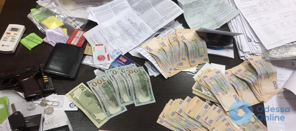 Начальник Балтского отдела полиции попался на крупной взятке