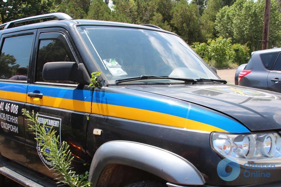 В Аккермане автомобиль муниципальной безопасности порос травой (фотофакт)