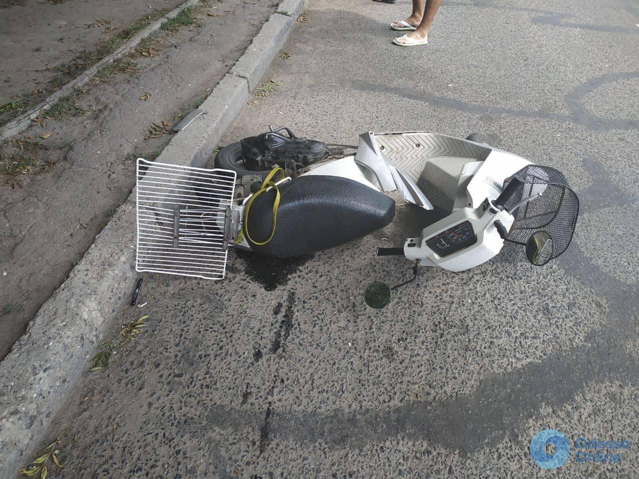 Одесса: в ДТП пострадал мопедист