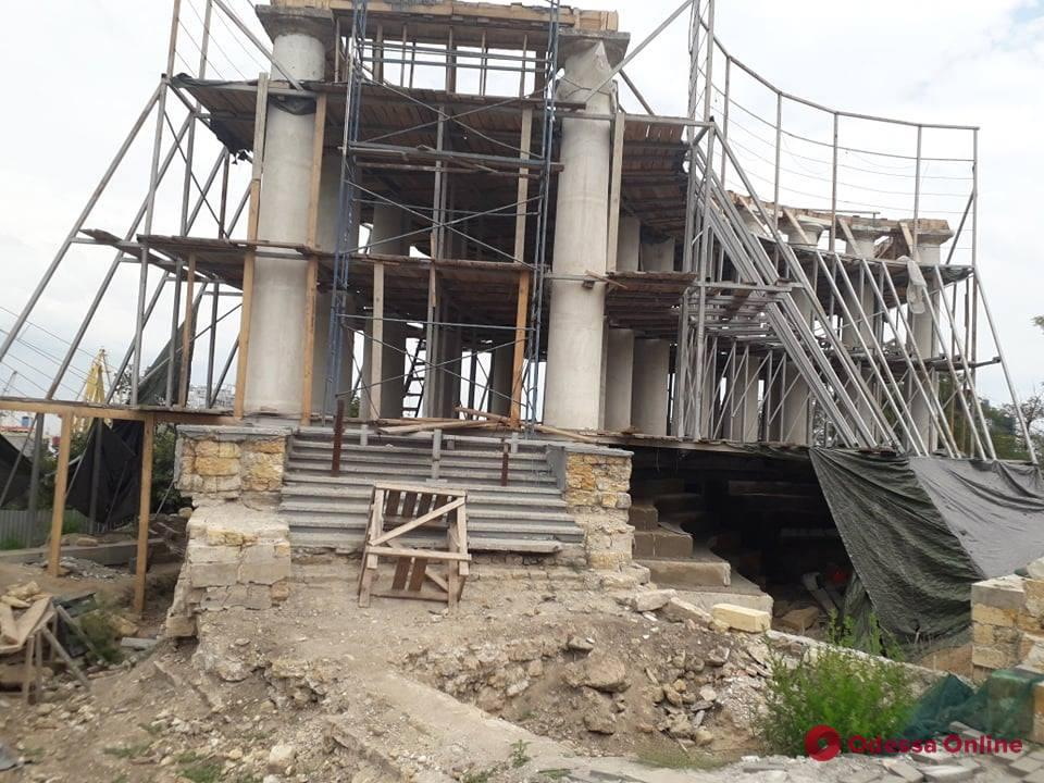Одесса: изменен проект реставрации Воронцовской колоннады