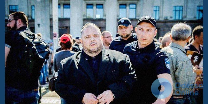 На проспекте Шевченко задержали вооруженных охранников Купера
