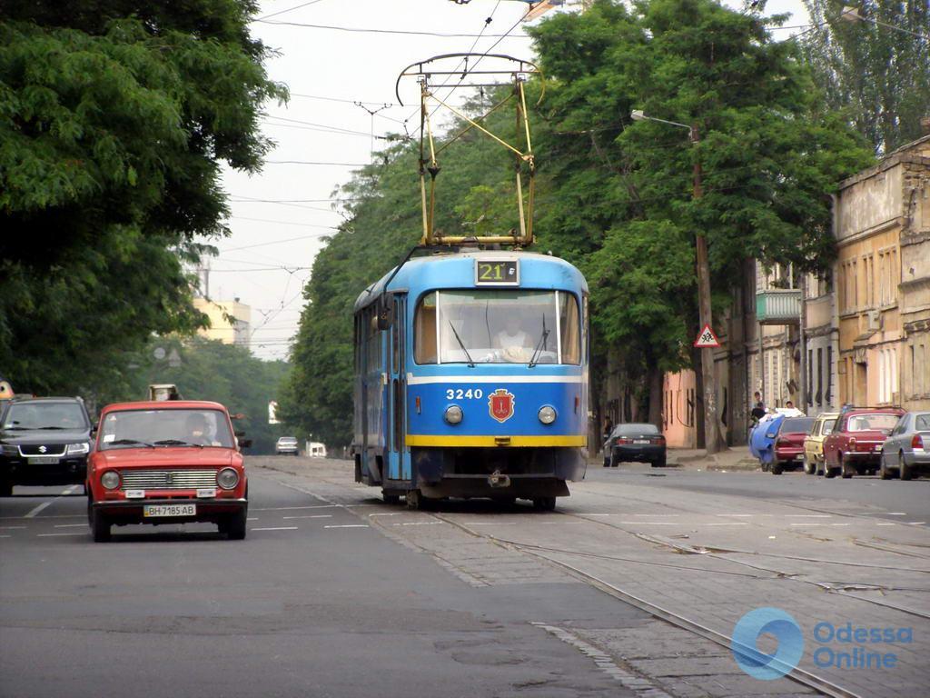 Одесса: из-за ДТП не ходит трамвай №21 (Обновлено)
