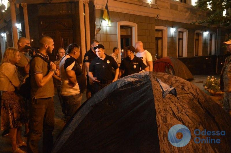 Ограбление «Лото-маркета»: друзья обвиняемых фермеров пришли с палатками к прокуратуре