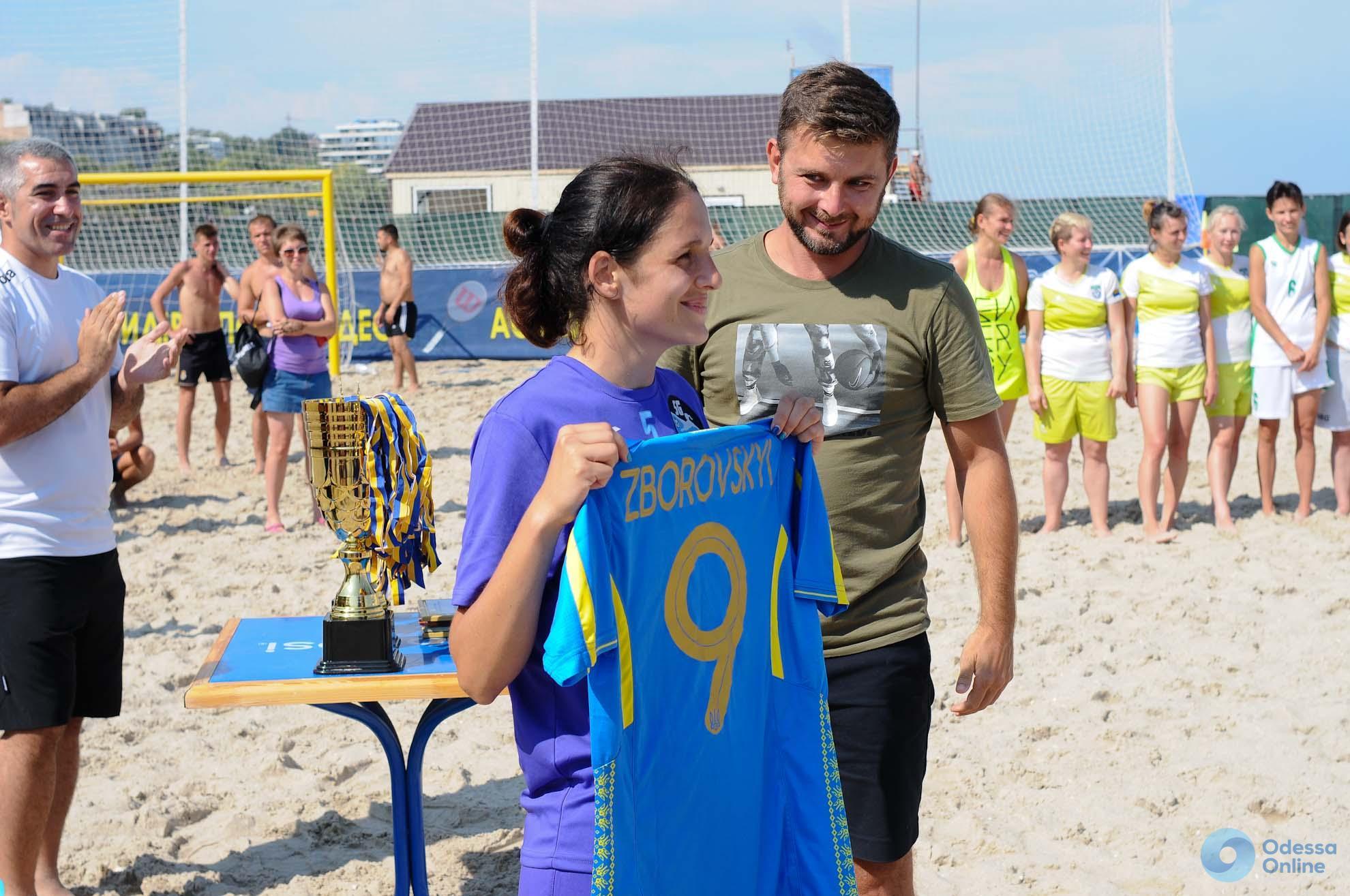 Женский чемпионат Украины по пляжному футболу в Одессе: жара, дождь и медали «Черноморца» (+фоторепортаж)