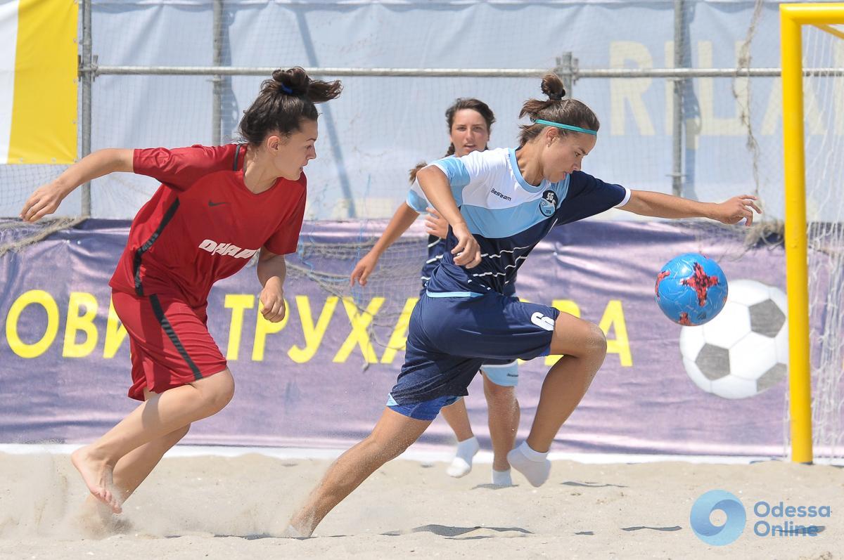 Женский чемпионат Украины по пляжному футболу в Одессе: завтра – жеребьевка