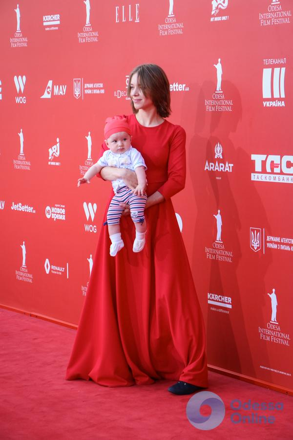 Закрытие ОМКФ-2018: меньше знаменитостей — больше детей (фоторепортаж)