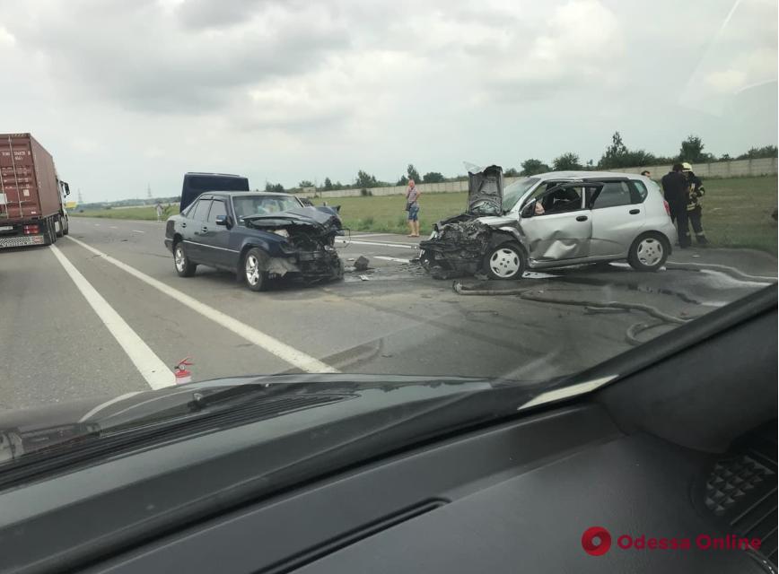 В Одессе на Объездной дороге произошло тройное ДТП
