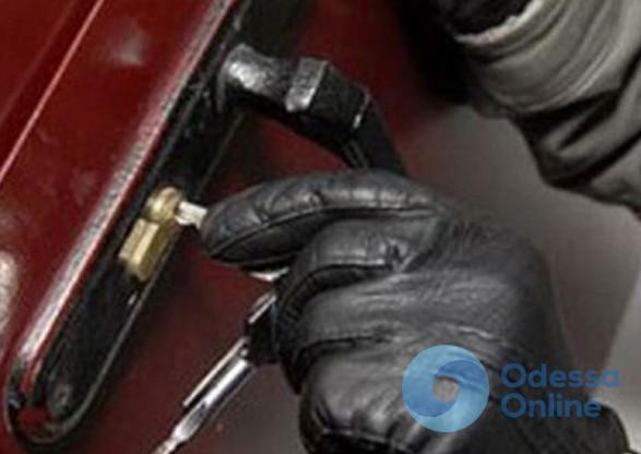В Одесской области совершили разбойное нападение на дом замдиректора завода «Интерхим»