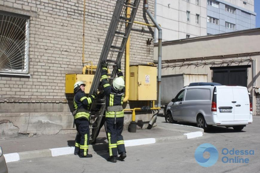 В Белгороде-Днестровском спасали двухлетнего мальчика, который заперся в квартире