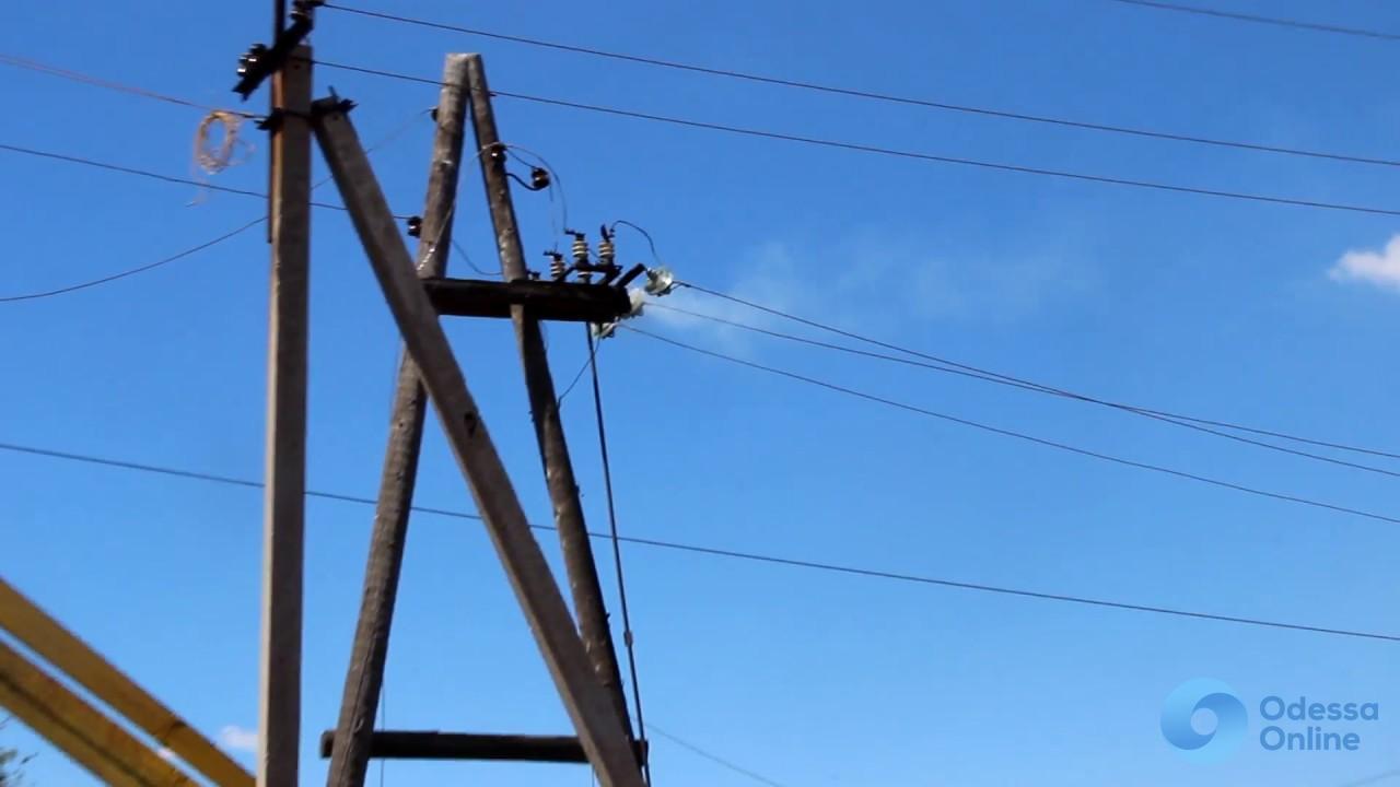 Из-за аварии жители поселка Котовского остались без света