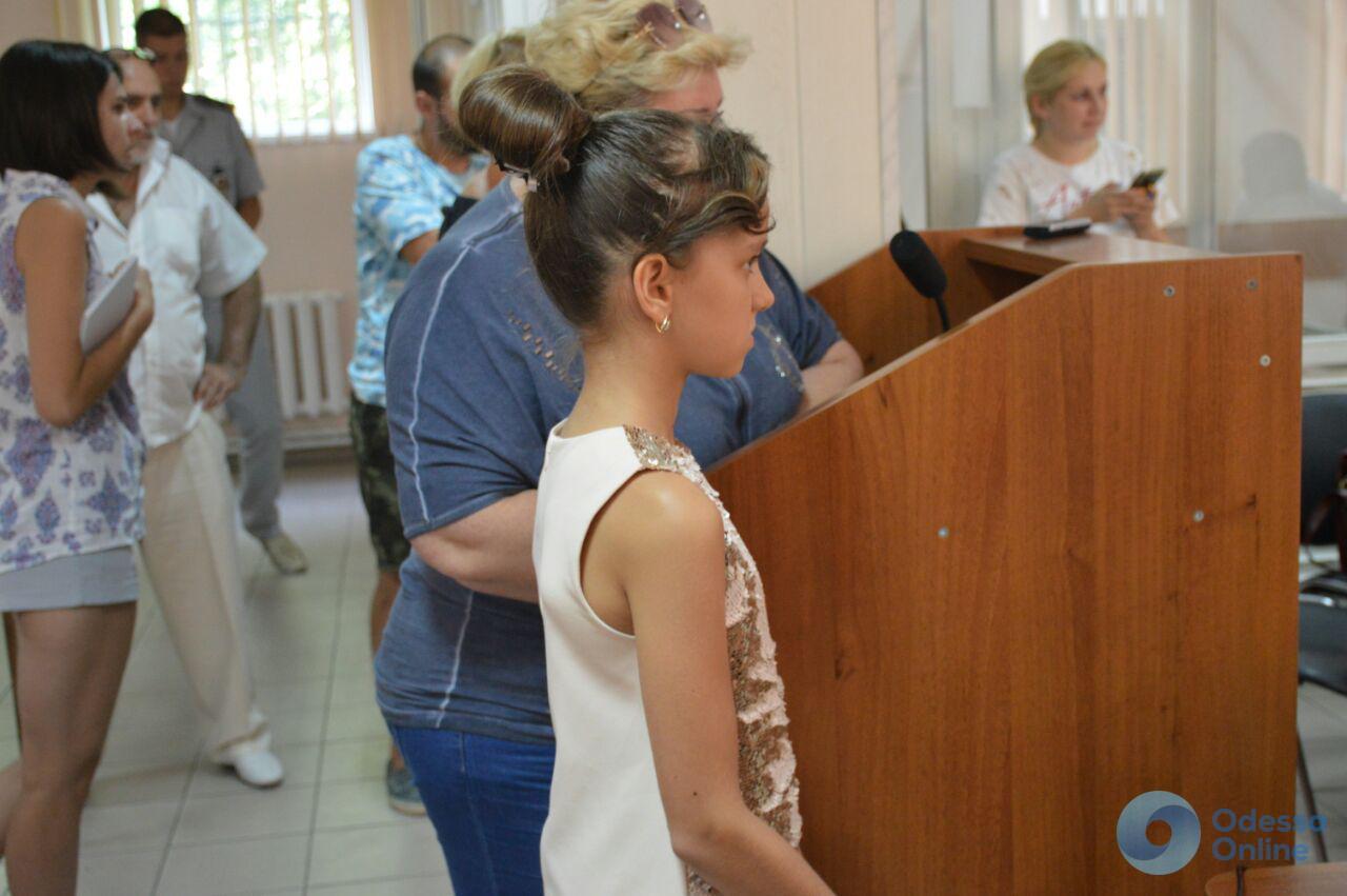 Проблемы со зрением, плохой сон: в деле Саркисяна продолжается опрос детей