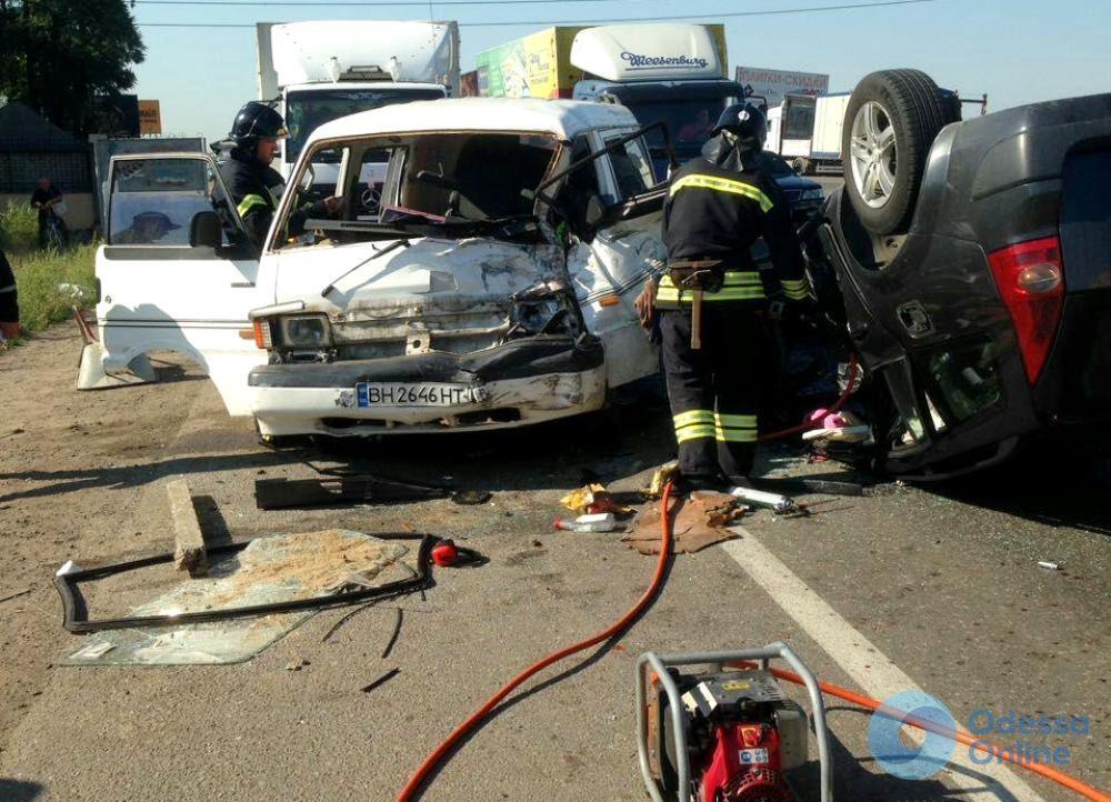 ДТП на Объездной дороге: водитель микроавтобуса сломал обе ноги