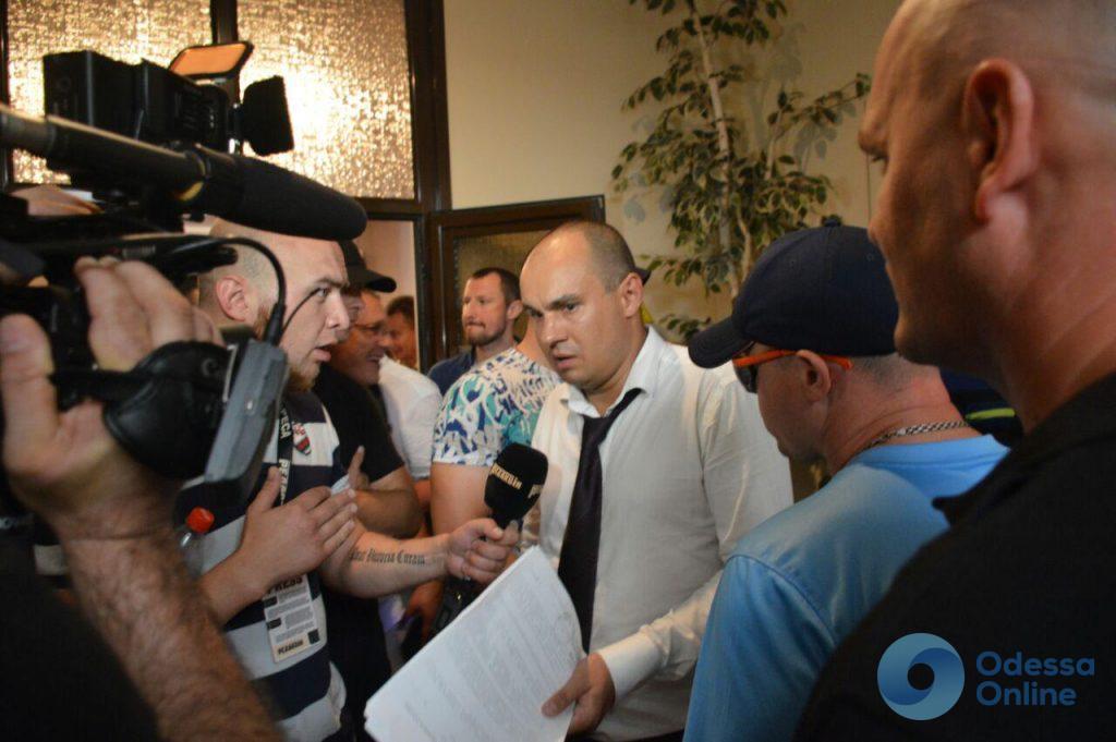 При поддержке активистов: и. о. ректора Одесского медуниверситета удалось попасть на рабочее место
