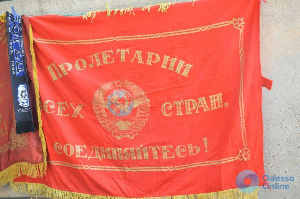 Совы по 2000, а Ленин – 700: летний фоторепортаж с одесской Староконки