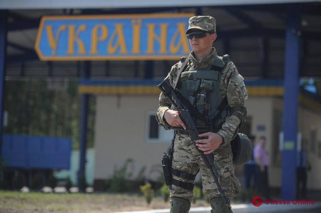 Одесская область: пограничники задержали краденый автомобиль