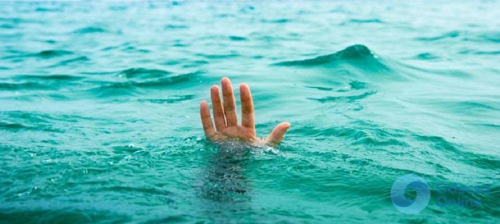 На одесском пляже утонул молодой парень