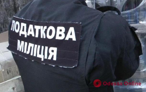 Налоговая проводит обыски на складах в Авангарде: торговцы протестуют
