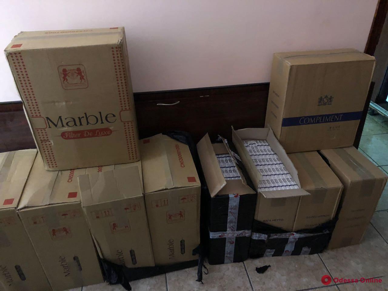 Одесская область: на складе нашли контрабандные сигареты на 100 тыс. грн (фото)
