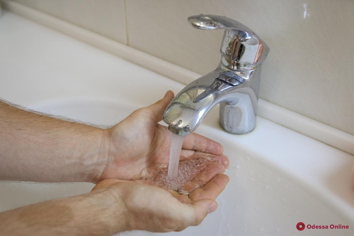 У многих жителей Молдаванки до вечера не будет воды (список адресов)