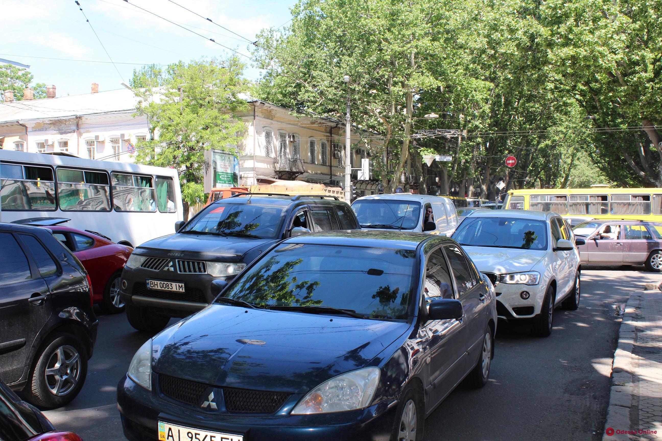Одесские пробки: проблемы с проездом в районе Пересыпского моста