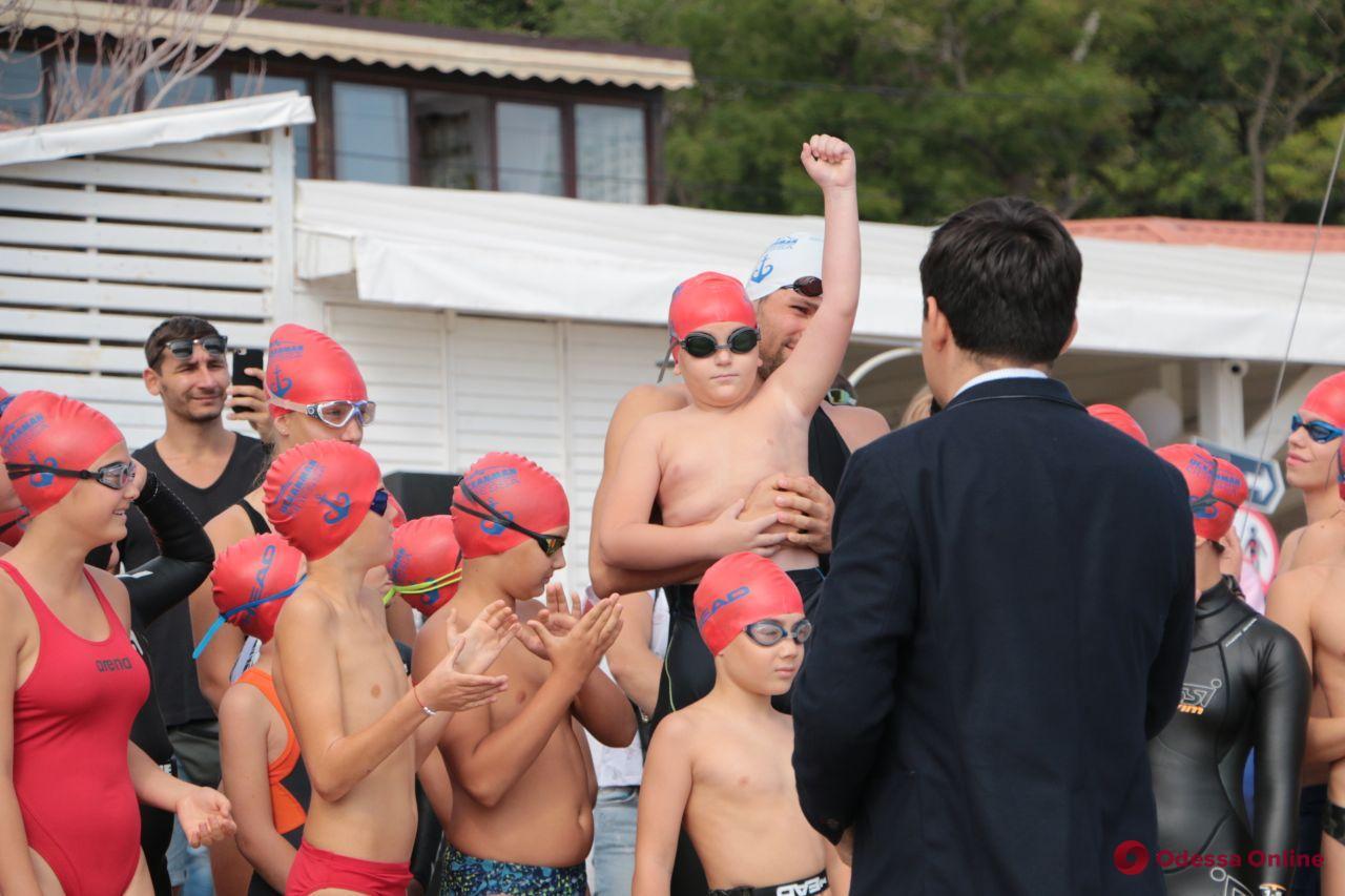 Одесса: на второй день Oceanman прошли детский и благотворительный заплывы (фото)