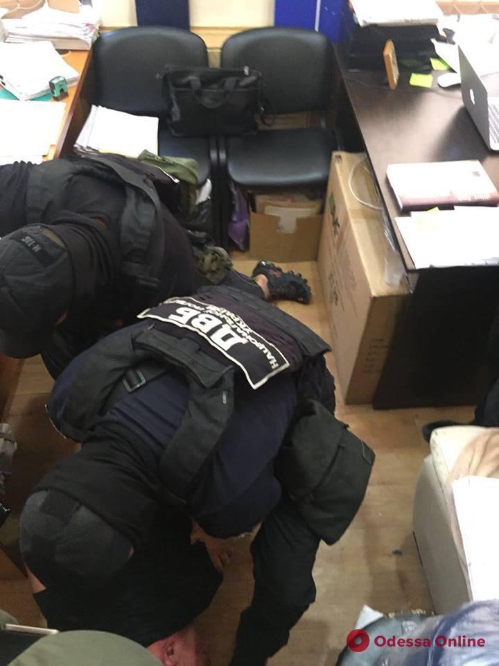 В Одессе задержали угонщика, который пытался подкупить следователя