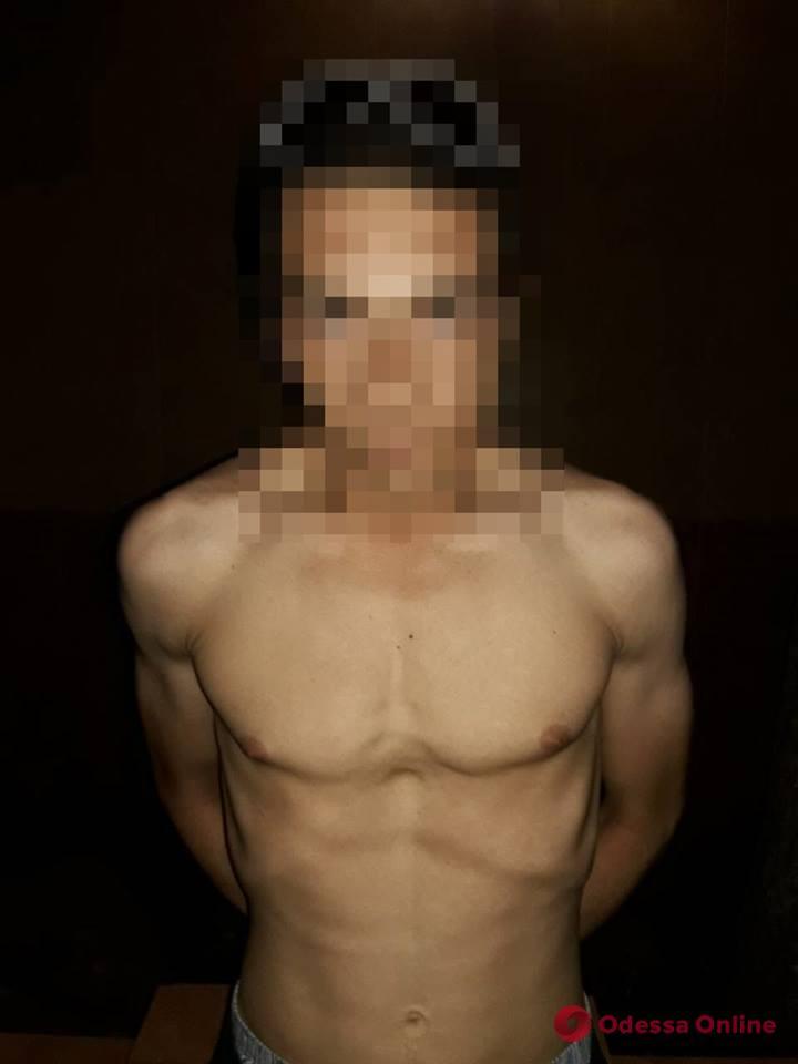 В Черноморске задержали грабителей-наркоманов