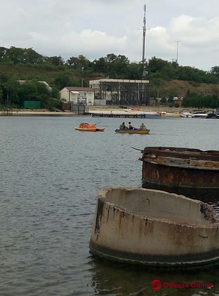 В Черноморске устанавливают личность утонувшего мужчины