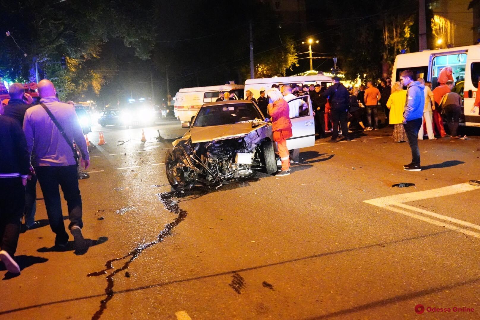 Опубликовано видео момента смертельной аварии на Фонтане